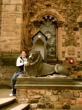 I loved this lion statue outside a castle entrance. So symbolic!