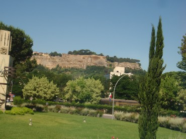 Heading to Orvieto funicular station - View from our bus