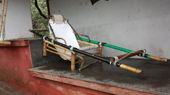 You can be carried up Mt. Emei in this chair.